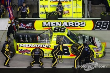 Pit stop for Matt Crafton, ThorSport Racing Chevrolet