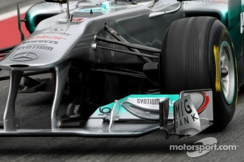 Mercedes GP technical detail, front suspension