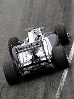 Vitaly Petrov, Lotus Renault F1 Team