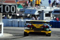 #03 Corvette Racing Chevrolet Corvette C6 ZR1: Olivier Beretta, Tom Milner, Antonio Garcia