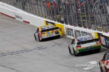 Kyle Busch, Joe Gibbs Racing Toyota take the checkered flag