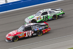 Tony Stewart, Stewart-Haas Racing Chevrolet and Kyle Busch, Joe Gibbs Racing Toyota