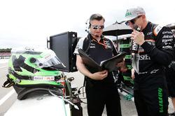 Nico Hulkenberg, Sahara Force India F1 on the grid with Bradley Joyce, Sahara Force India F1 Race Engineer