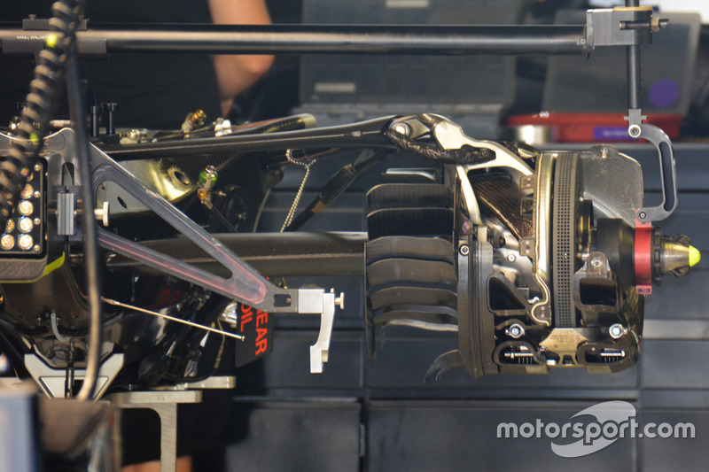 Mercedes F1 W07: Hinterradaufhängung