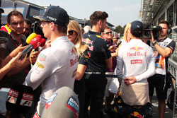 (L to R): Max Verstappen, Red Bull Racing and Daniel Ricciardo, Red Bull Racing with the media