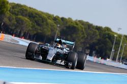 Pascal Wehrlein, Mercedes AMG F1 W06 Hybrid, mit Pirelli-Reifen für 2017