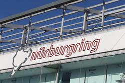 Boxengasse am Nürburgring