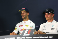 (L to R): Daniel Ricciardo, Red Bull Racing and Nico Rosberg, Mercedes AMG F1 in the FIA Press Conference
