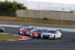 Mikhail Grachev, Honda Civic TCR , WestCoast Racing und James Nash, Seat Leon Team Craft-Bamboo LUKOIL