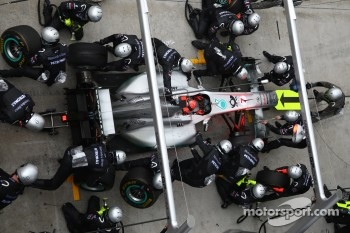 pit stop for Michael Schumacher, Mercedes GP F1 Team