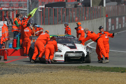 Start: Crash #20 Nissan GT-R
