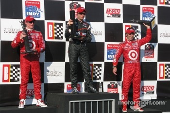 Podium: winner Will Power, Team Penske, second place Scott Dixon, Chip Ganassi Racing, third place Dario Franchitti, Chip Ganassi Racing