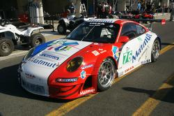 #76 Imsa Performance Matmut Porsche 911 RSR