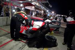 Pit stop for #040 Robertson Racing Doran Ford GT: David Robertson, Andrea Robertson, Boris Said