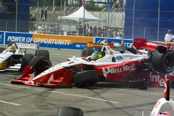 Cristiano da Matta get caught up with Justin Wilson in turn 1
