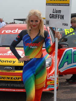 Liam Griffin, Airwaves Racing Grid girl