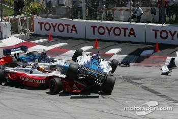 Start: Paul Tracy, Mario Dominguez and Oriol Servia crash