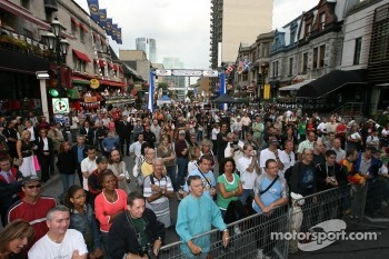 Ford Racing Festival on Crescent street: fans