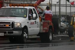 Wrecked car of Oriol Servia