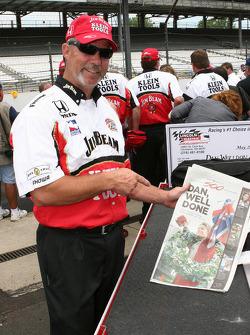 Andretti Green Racing crew member