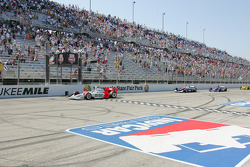 Sam Hornish Jr. takes the checkered flag