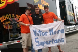 Vitor Meira and fans