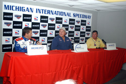 Press conference: Jeff Bucknum and A.J. Foyt