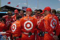 The Target Chip Ganassi Racing team gathers prior to the start