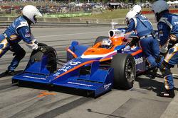 Kosuke Matsuura takes on fuel for the last stop