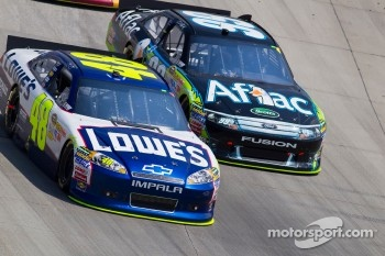 Jimmie Johnson, Hendrick Motorsports Chevrolet and Carl Edwards, Roush Fenway Racing Ford