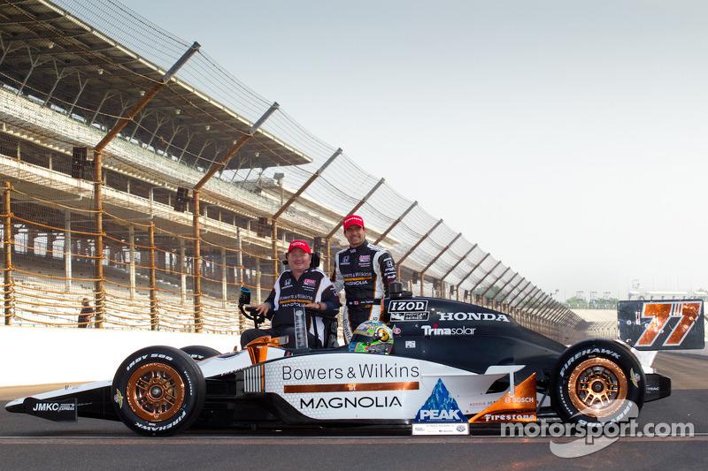 Front row photoshoot: pole winner Alex Tagliani, Sam Schmidt Motorsports with Sam Schmidt
