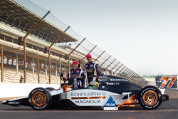 Front row photoshoot: pole winner Alex Tagliani, Sam Schmidt Motorsports with Sam Schmidt