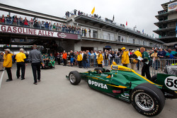 KV Racing Technology-Lotus of EJ Viso heads to pitlane