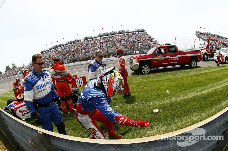 Jay Howard, Sam Schmidt-RLL Racing after his wreck