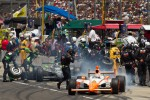 Pit stop for Dan Wheldon, Bryan Herta Autosport with Curb / Agajanian