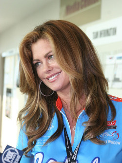 Kathy Ireland visits the media center