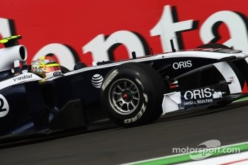 Williams switches to Renault engines in 2012