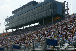 Chicagoland crowd watching the race