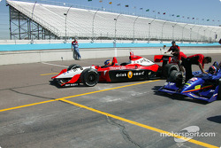 Indy Racing two-seater experience: Dan Wheldon and Arie Luyendyk