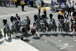 Gordon Pipers perform during opening ceremonies