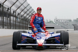 Front row photo shoot: Dario Franchitti