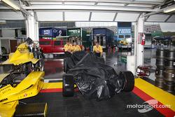 Patrick Racing garagea area
