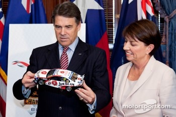 Texas Governor Rick Perry and Queensland Premier Anna Bligh