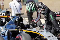 Nico Hulkenberg, Sahara Force India F1 VJM09 in qualifying parc ferme