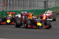 Max Verstappen, Red Bull Racing RB12; Daniel Ricciardo, Red Bull Racing RB12; Sebastian Vettel, Ferrari SF16-H