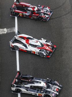 #1 Porsche Team, Porsche 919 Hybrid: Timo Bernhard, Mark Webber, Brendon Hartley; #5 Toyota Racing, Toyota TS050 Hybrid: Anthony Davidson, Sébastien Buemi, Kazuki Nakajima; #8 Audi Sport Team Joest, Audi R18 e-tron quattro: Lucas di Grassi, Loic Duval, Oli