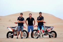 (L-R) Max Verstappen, Red Bull Racing, Christian Horner, Red Bull Racing Team Principal and Daniel Ricciardo, Red Bull Racing pose for a photograph