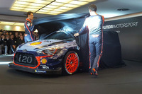 WRC Photos - Hayden Paddon, Daniel Sordo, Thierry Neuville, Hyundai Motorsport, dévoilent la Hyundai i20 Coupe WRC 2017
