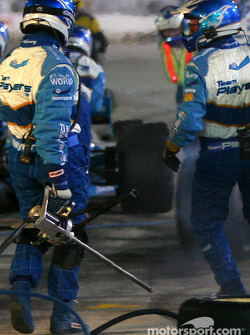 Paul Tracy leaves pit only to lose his rear left tire