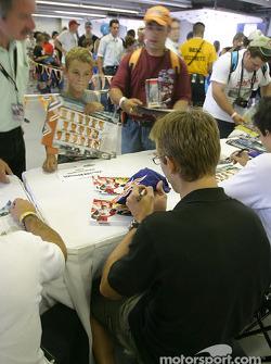 Autograph session: Sébastien Bourdais